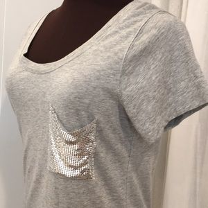a.n.a tee cotton/modal with silver detail pocket